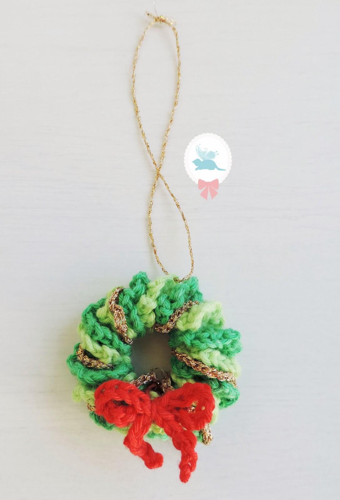 Rose coton mini couronnes de no l au crochet - Modele couronne de noel ...