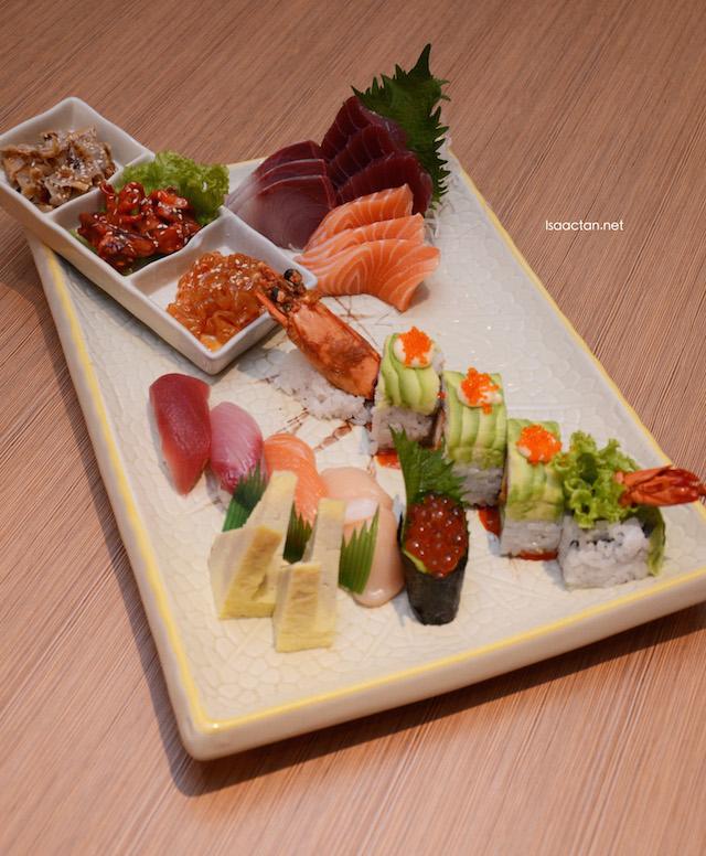 Chef's Sashimi & Sushi Combo Platter - RM85