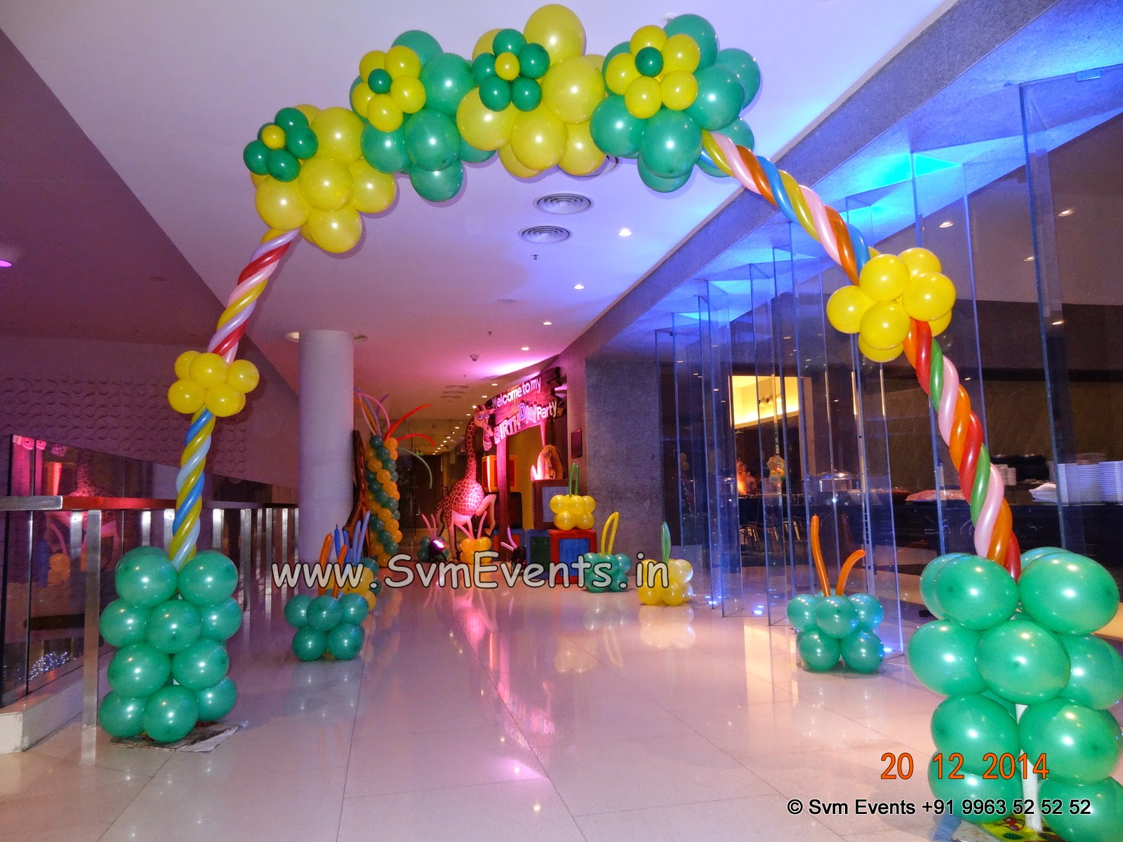 Svm events madagascar theme 3d for 1st birthday party for Balloon decoration for 1st birthday