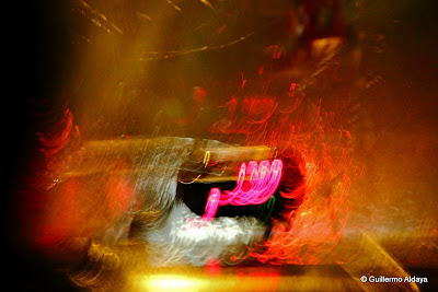 In motion, by Guillermo Aldaya / PhotoConversa