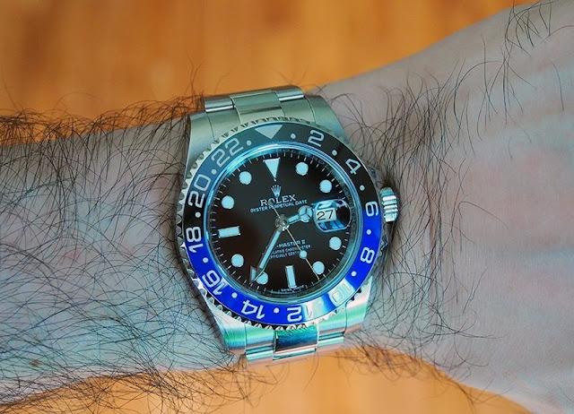 Đeo đồng hồ vừa với tay