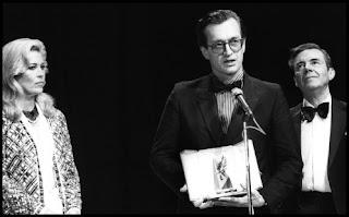 Wim Wenders con el premio de Cannes
