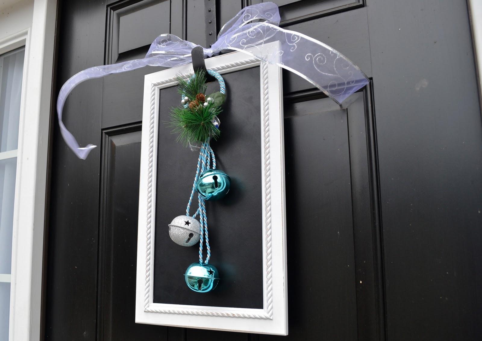 A Vegas Girl at Heart: Christmas DIY: Door Decoration