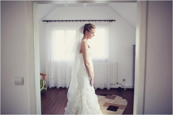 Gorgeous Romania Wedding by Be Light Photography via www.lemagnifiqueblog.com