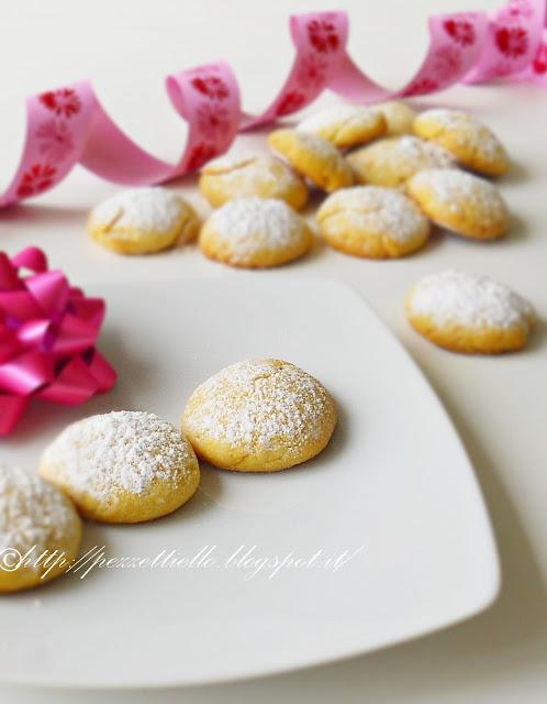 Biscotti con burro di cacao e stevia