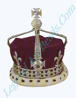 In 1937 the Koh-I-Noor diamond, taken from Ran lit Singh's treasury wan fitted in the Maltese cross at the front of the crown made for George VI's consort Elizabeth still remains in her crown.