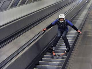 Ski em escadas rolantes