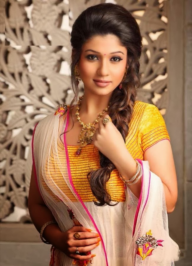Best Hairstyle on Saree Looks  Indian Hair Style