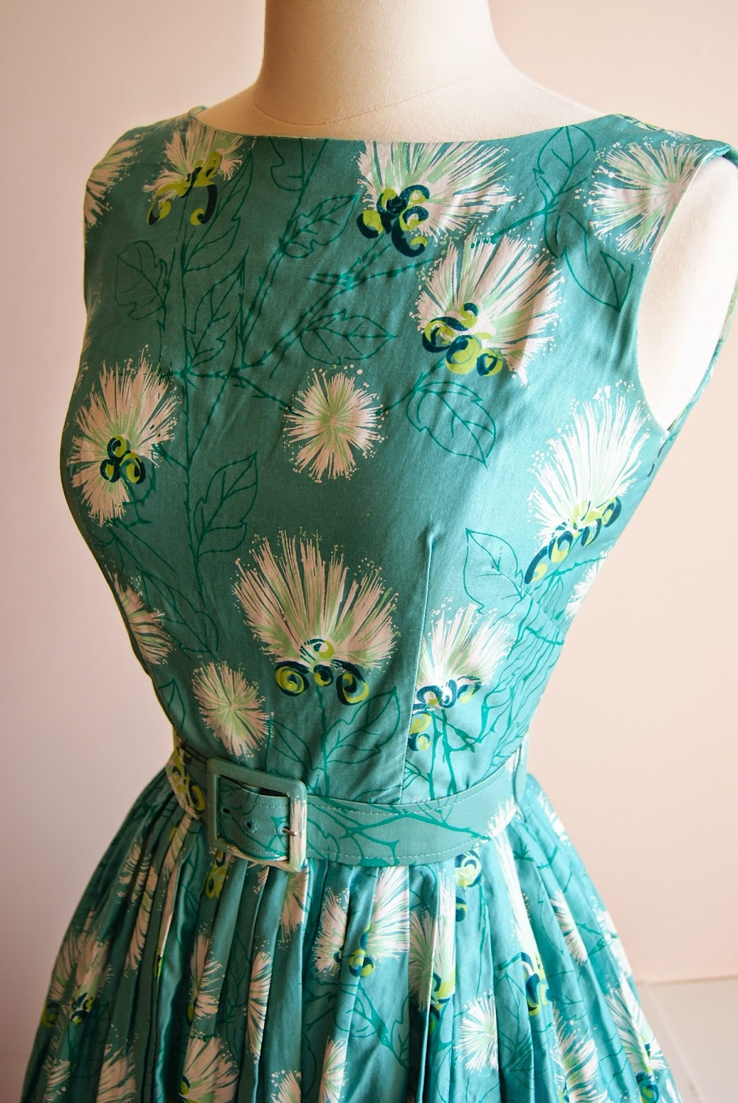 Xtabay Vintage Clothing Boutique - Portland, Oregon: April 2014