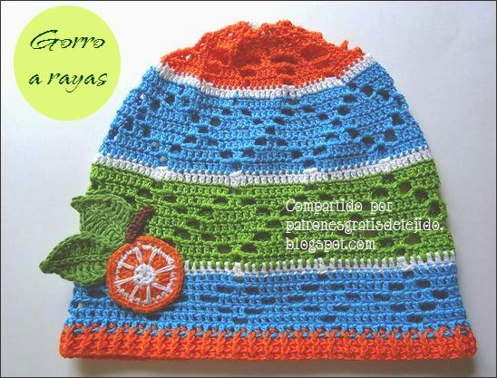 Gorro a rayas al crochet para niños