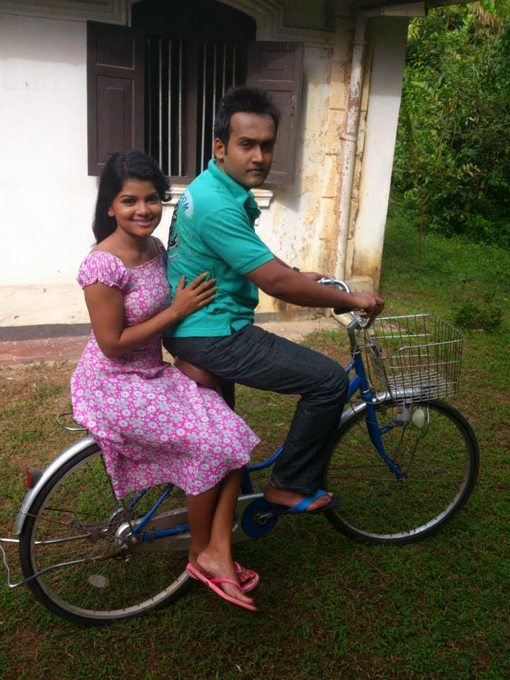 Bagya Hettiarachchi hot cycle ride