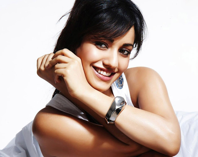 Beautiful Neha Sharma Wallpaper