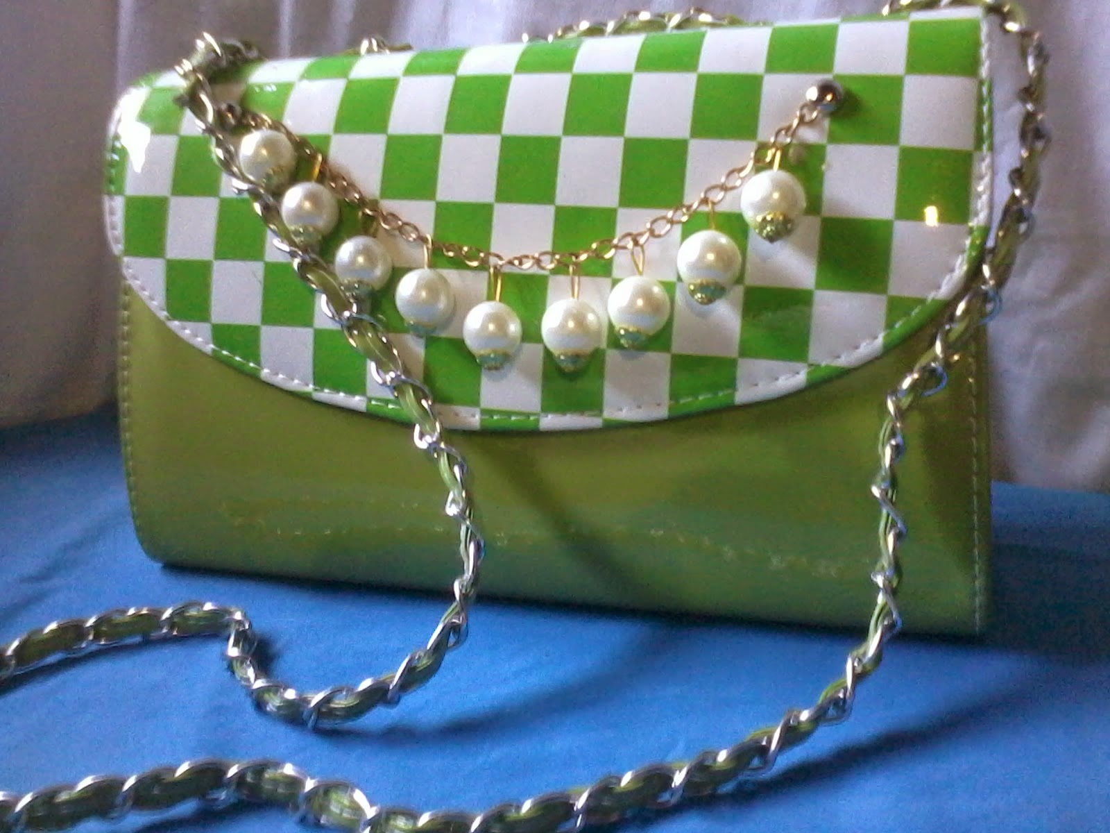 green handbag, green bag, pearl bag, beautiful handbag