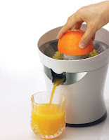 Juicing an orange