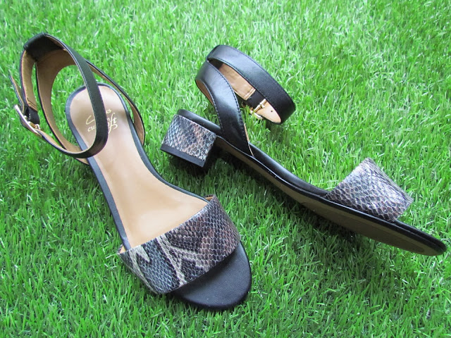 Snake effect sandals with block heel