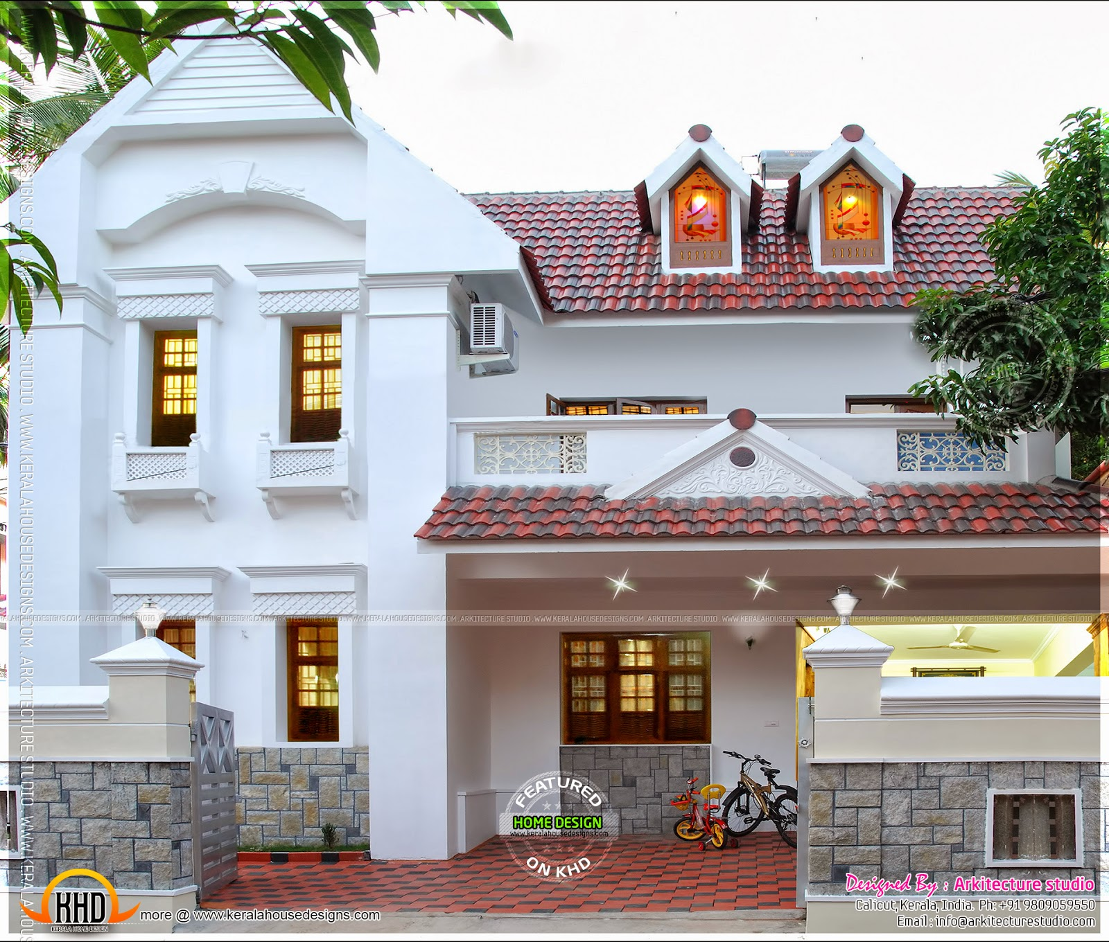 Real house in kerala with interior photos kerala home for Kerala house photos