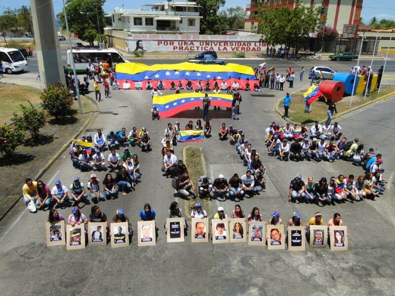 Protesta con maestría (UDO Sucre) - www.rjgm.net