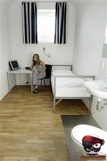 بالصور سجن النساء في ألمانيا Domain-64885a2672
