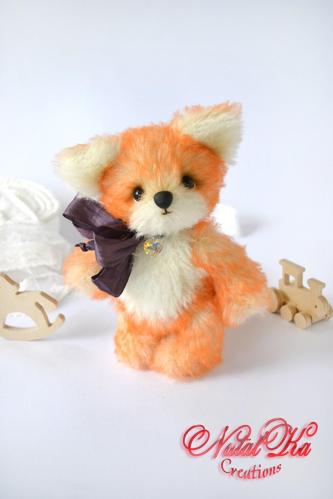 Künstler Teddy Fuchs handgemacht aus Alpaka von NatalKa Creations. Artist teddy fox ooak handmade from alpaka Schulte by NatalKa Creations.