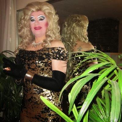 Espectáculo drag queen para cincuent cumpleaños en el vellón, Madrid.