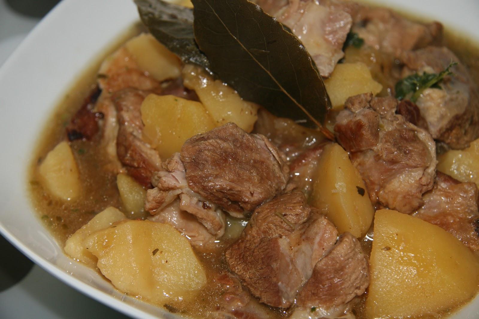 Hierbabuena y pimienta caldereta de cordero en olla for Cocinar con olla express