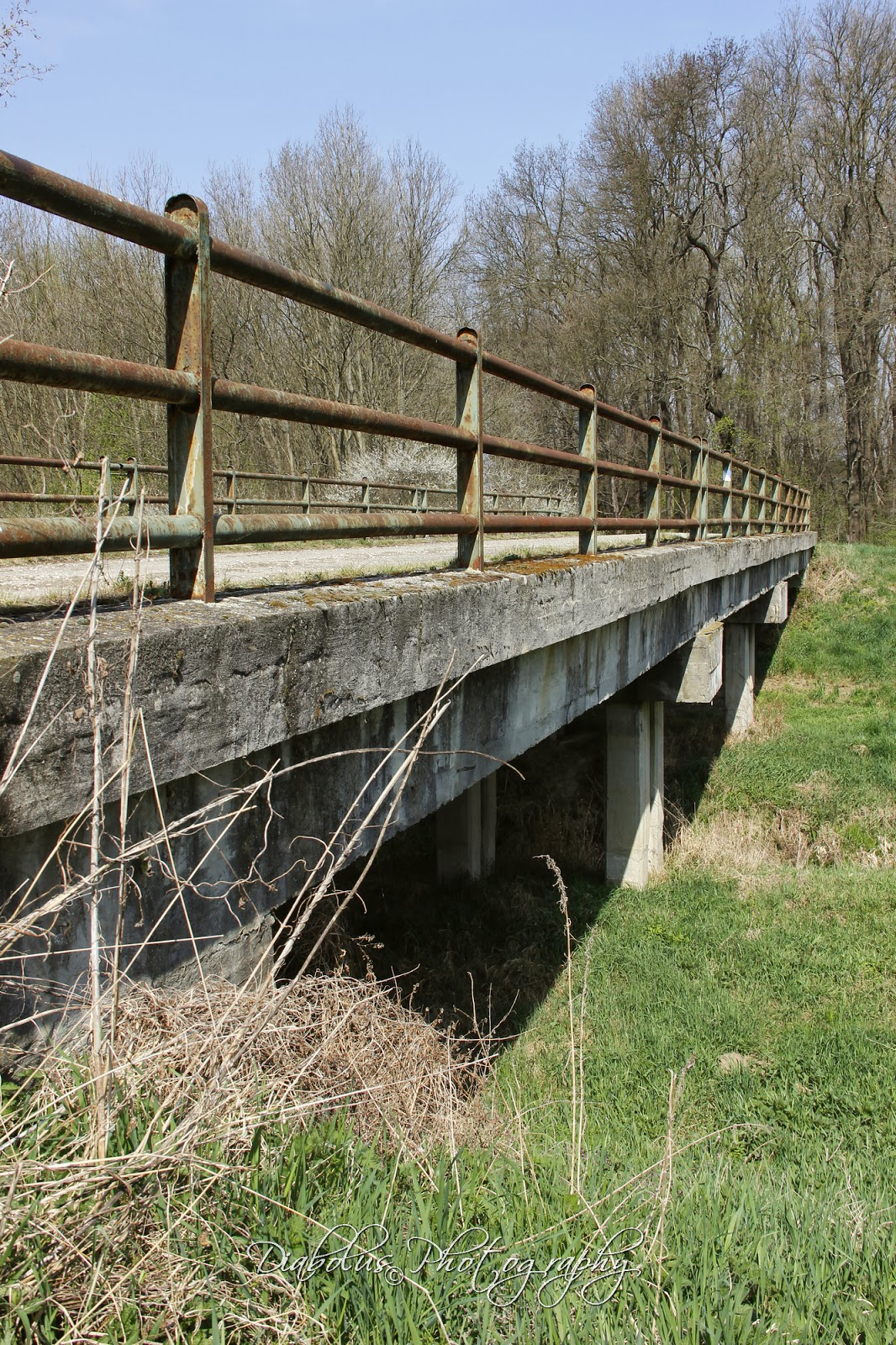 Most přes Chvojnicu