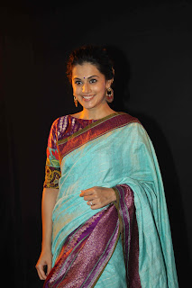 taapsee Pannu Walks the Ramp at LFW 2015 in a Lovely Desigher Saree