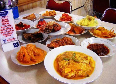 10 Dari 40 Makanan Indonesia Yang Disukai Bule