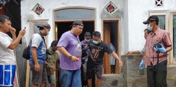 Misteri Satu keluarga di temukan tewas membusuk di  Krajan Barat Candijati Jember