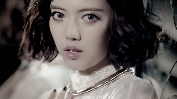Rainbow Black Swan Yoonhye