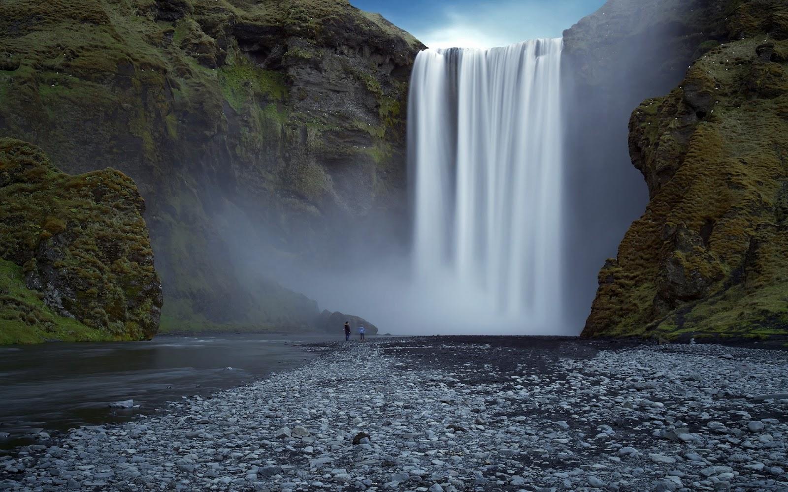 Personas Viendo una Cascada Fondos de Pantalla de Paisajes Naturales