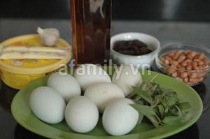 Trứng vịt lộn xào me - món ngon cho ngày lạnh