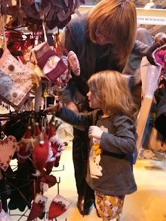 chosing decorations