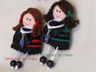 Broches mini-muñecas riojanitas