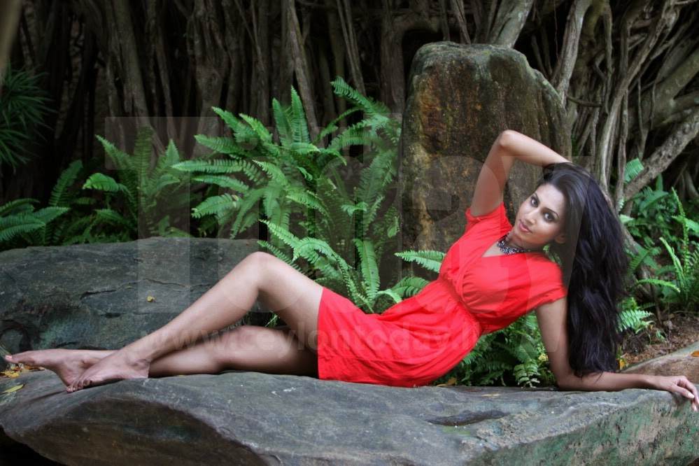 Nilukshi Amanda Silva red