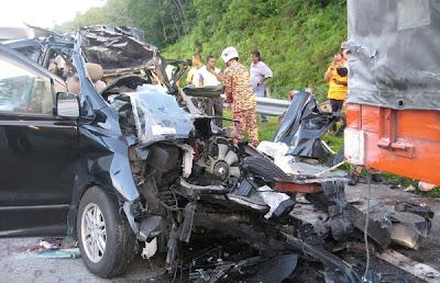 Hyundai Starex kemalangan