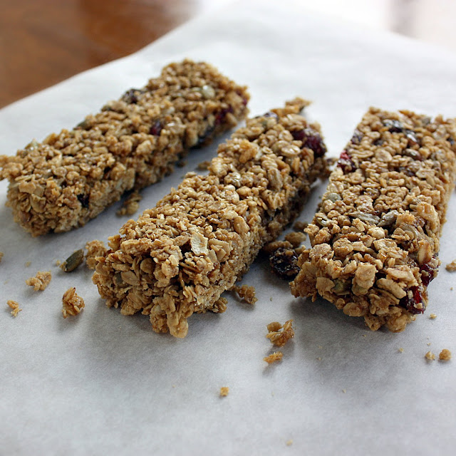Allergy-friendly Fruit and Seed Chewy Granola Bars