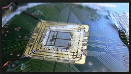Neuromorphic computer chip