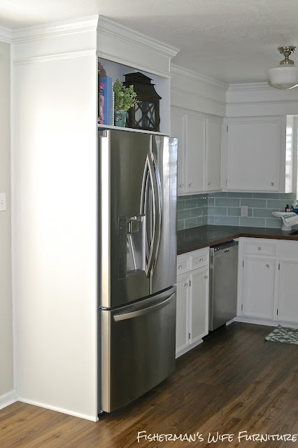 http://fishermanswifefurniture.blogspot.com/2013/08/diy-refrigerator-enclosure.html