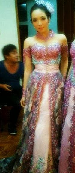 Foto Model Baju Kebaya Sinden Opera Van Java