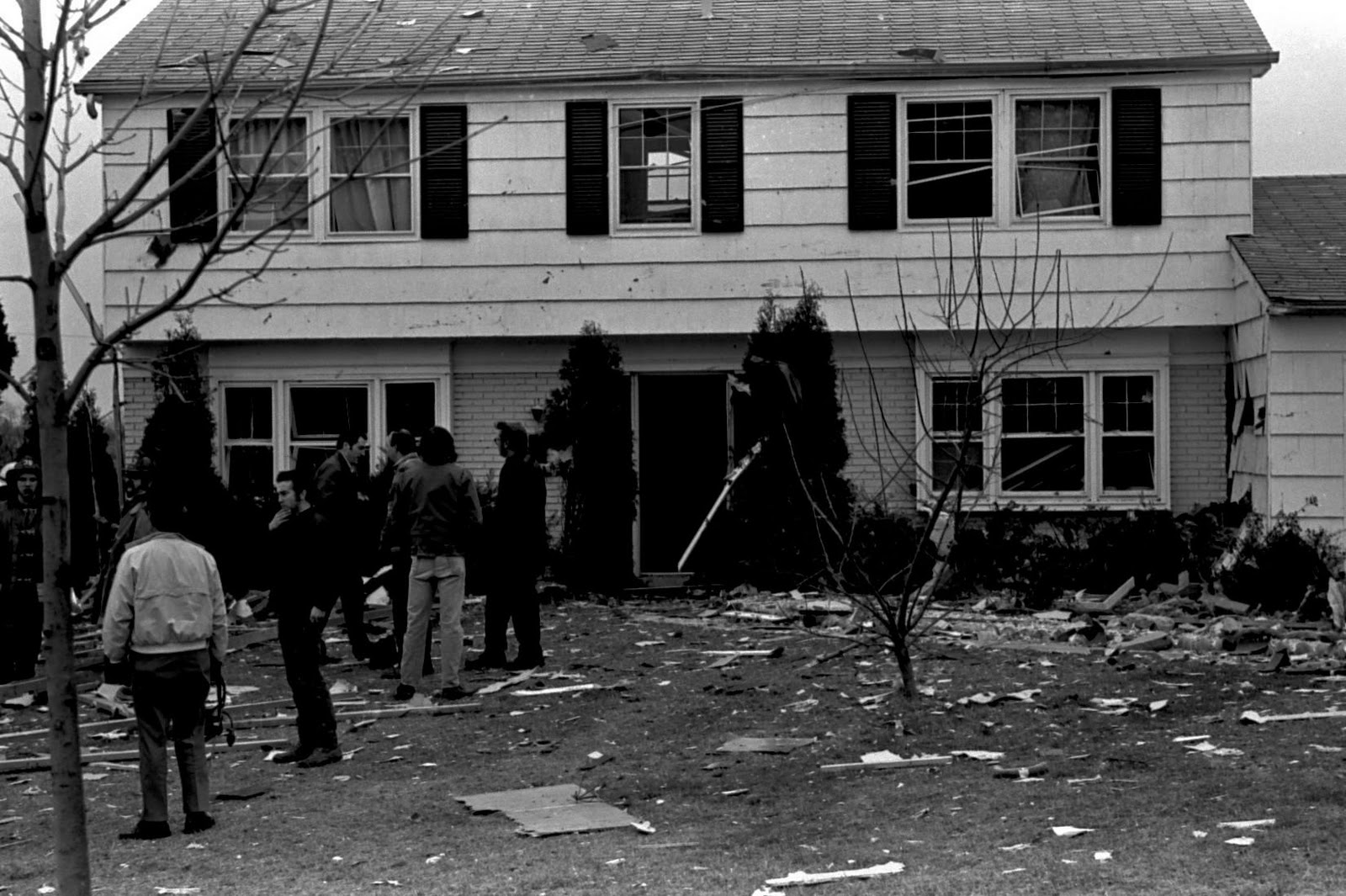 Bowie Living House Explosion In Pointer Ridge January 1974