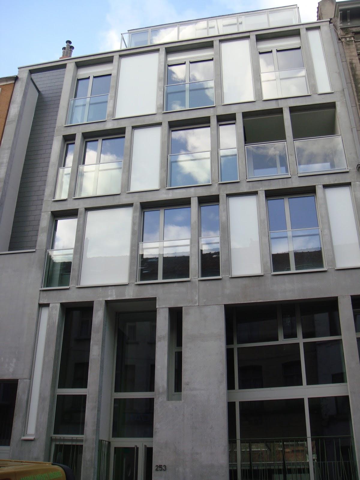 La maison des femmes de schaerbeek het vrouwenhuis for Adresse maison communale schaerbeek