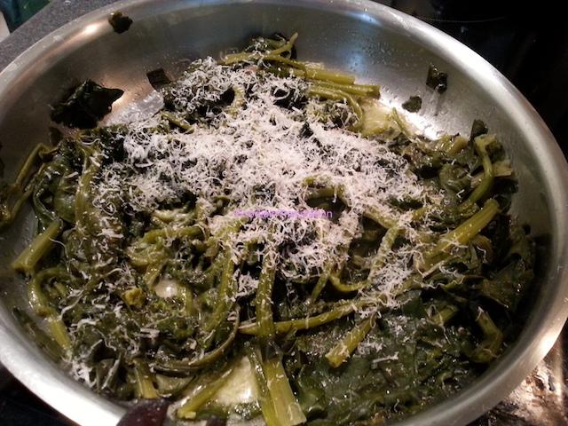 Spinaci al vapore con burro e parmigiano