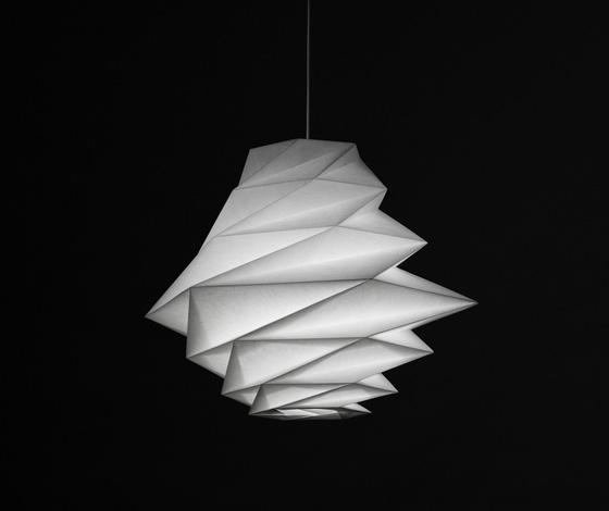 Le 704 art design in ei issey miyake artemide for Lampadari moderni per camera da letto