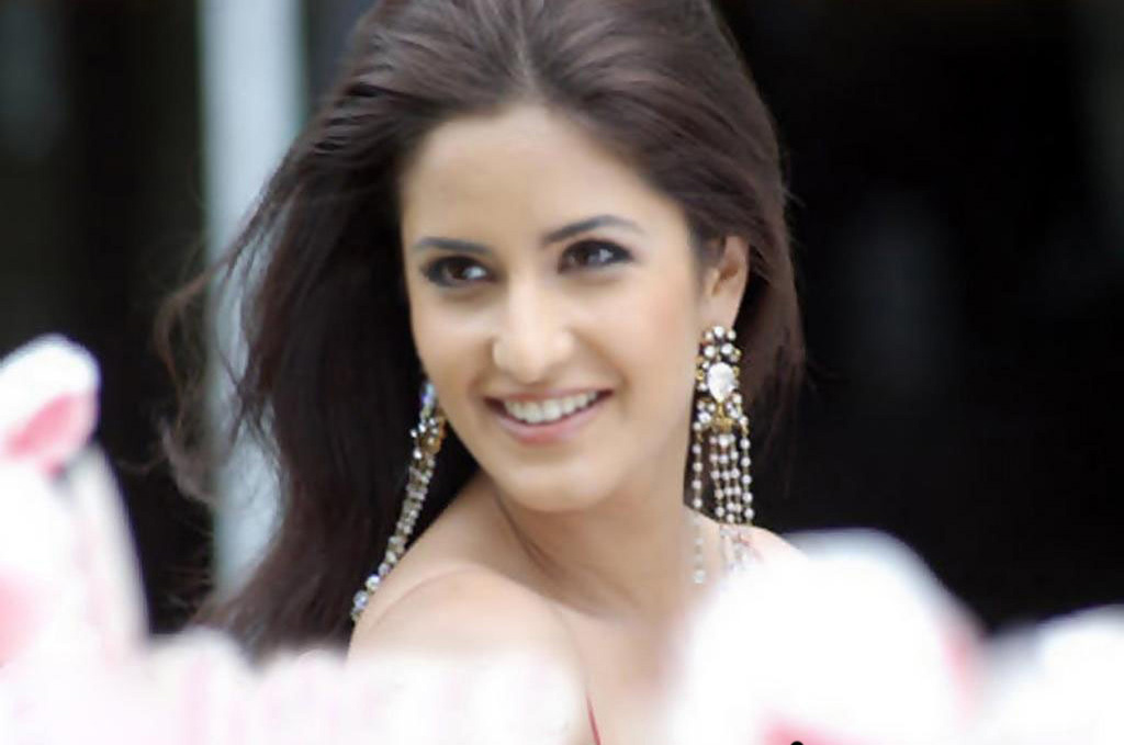 wallpaper katrina kaif download. hot katrina kaif wallpapers