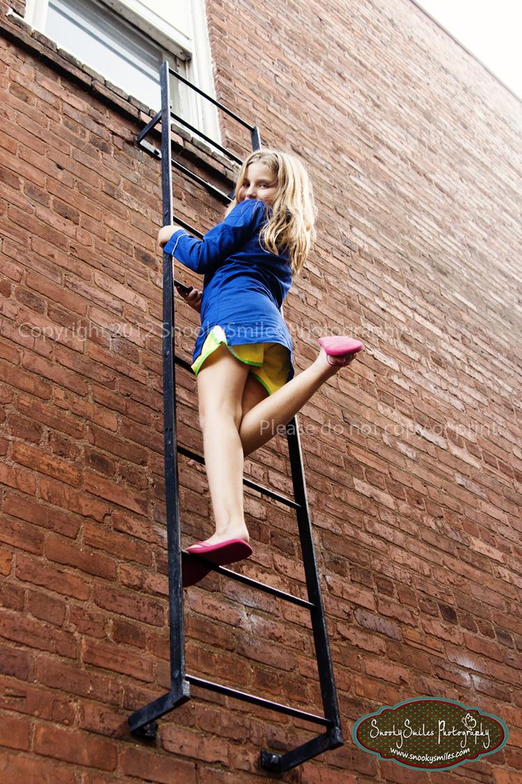 School Girl Climbing Ladder - Sex Porn Images