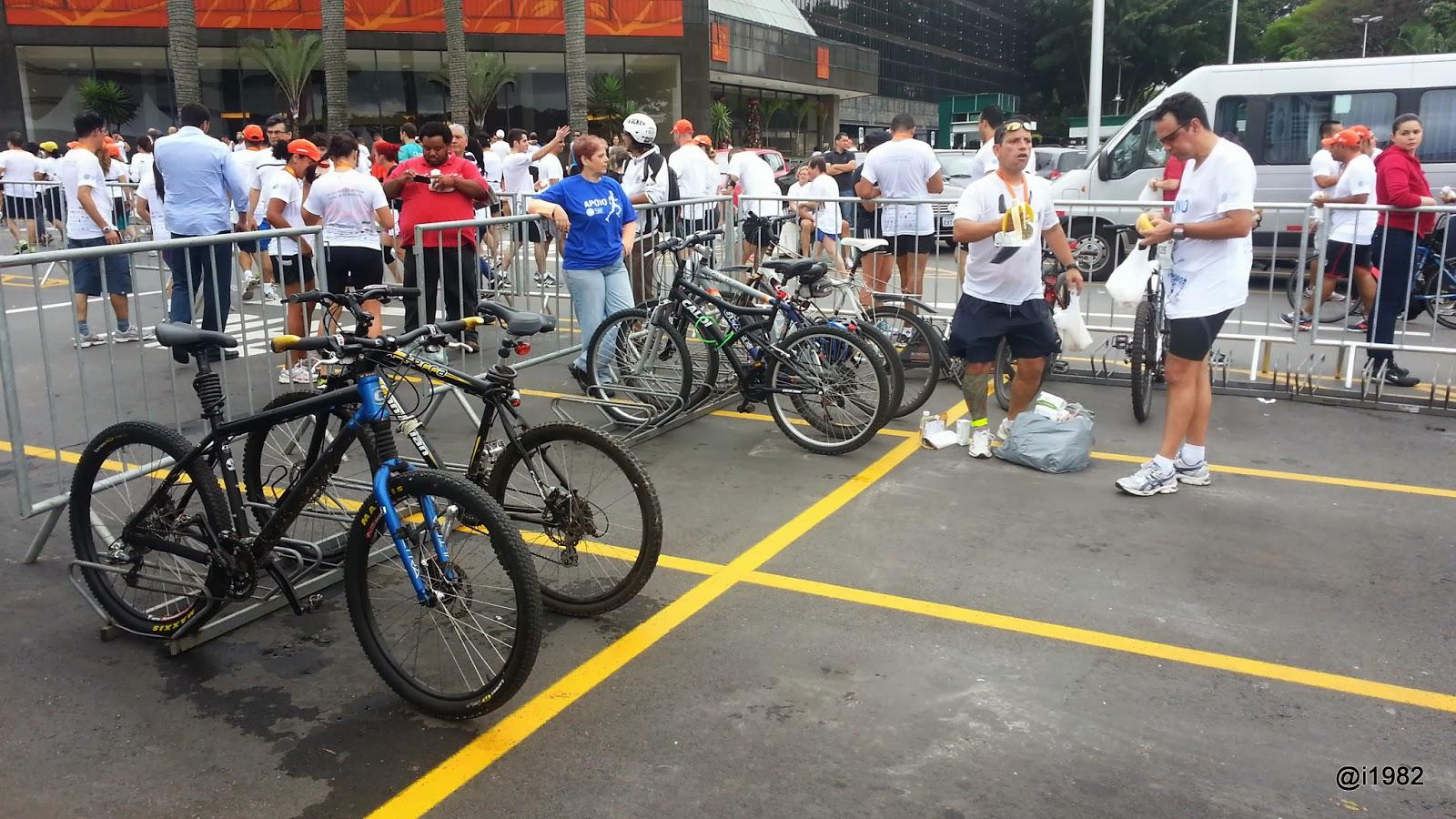 Bicicletários em provas de corrida de rua são cada vez mais comuns - Corrida Caminho da Paz 2013