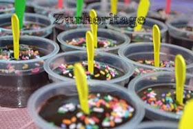 Choc Moist Cupcake with mini spoon(Dome Container)