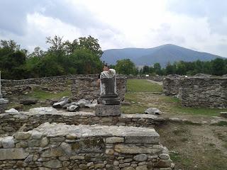 Ulpia Traiana Sarmizegetusa: forum-laterala stanga