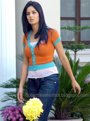 katrina kaif hot pics in a spicy top and jeans